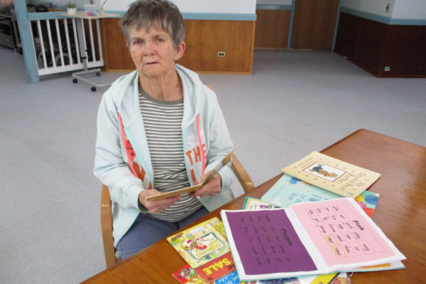 Rose opens book on world of reading