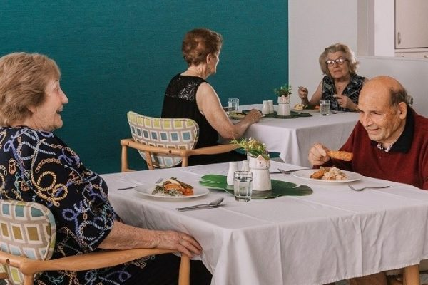 Dining a key ingredient for seniors' happiness