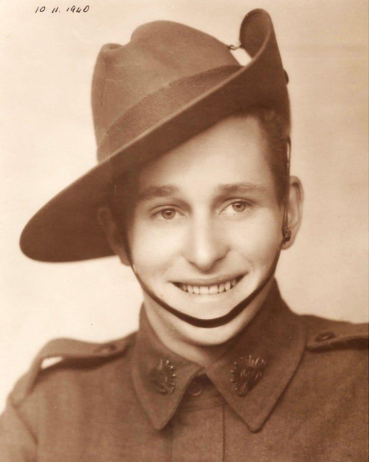 Gordon in his army uniform in 1940.